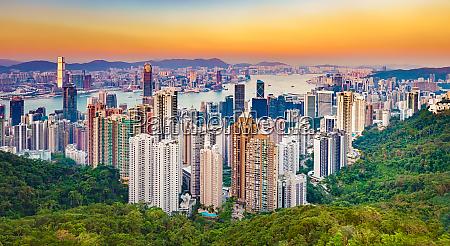 panorame hongkongu o zachodzie slonca panorama