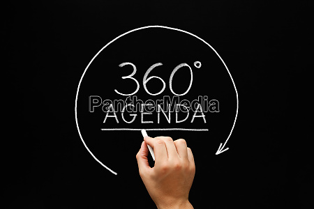 agenda 360 degrees arrow concept