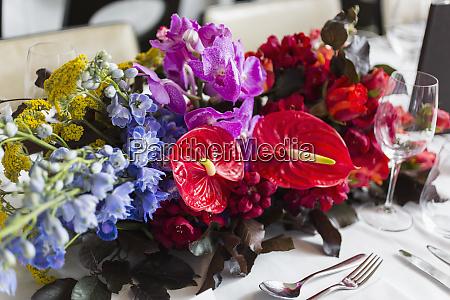 still, life, vibrant, , tropical, table, bouquet - 26906384