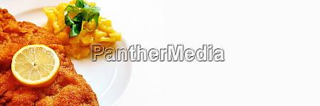 sznycel wiener z salatka ziemniaczana