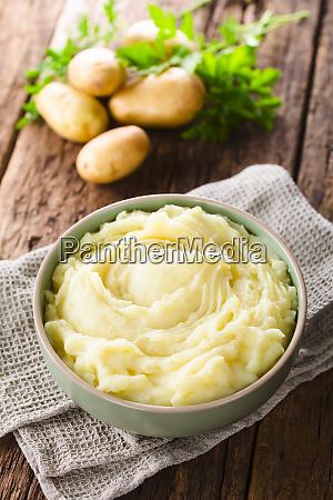 Swiezy kremowy puree ziemniaczane