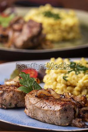 pieczone filet wieprzowy i serowymi w