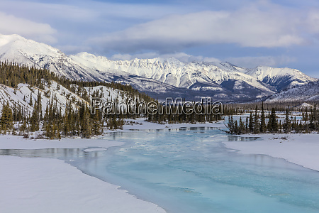 winter along the north saskatchewan river