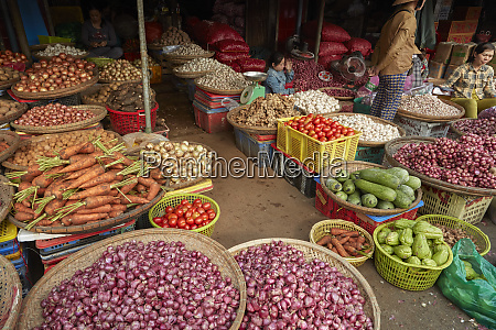 vegetable stall dong ba market hue
