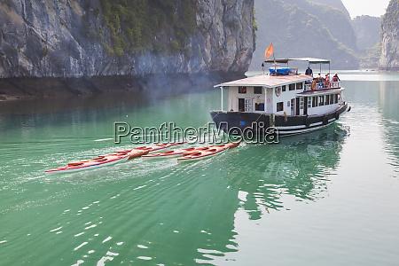 vietnam halong bay kayak traffic