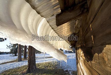usa oregon bend melting snow pack