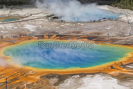 grand prismatic spring midway geyser basin