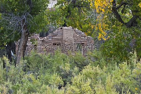 usa utah hanksville ruin of stone