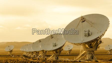 radio telescopes at the very large