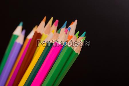 kolorowe olowki