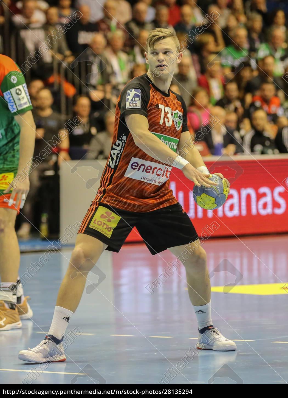 niemiecki, piłkarz, ręczny, timo, kastening, tsv, hannover-burgdorf - 28135294