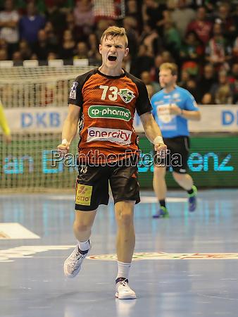 niemiecki, piłkarz, ręczny, timo, kastening, tsv, hannover-burgdorf - 28135295
