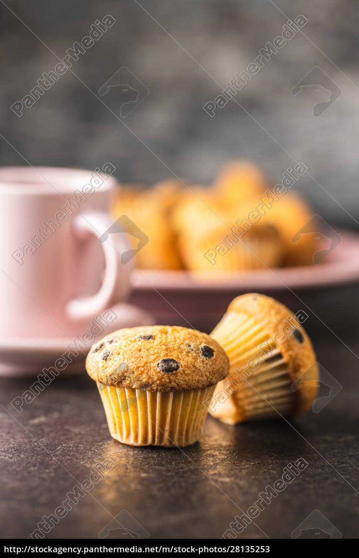 smaczne, babeczki, czekoladowe., słodkie, babeczki. - 28135253