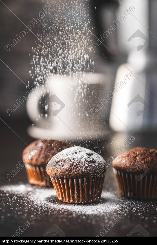 smaczne, babeczki, czekoladowe., słodkie, babeczki. - 28135255