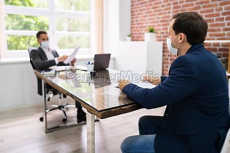 rozmowa kwalifikacyjna business meeting w kancelarii