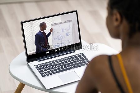 wirtualny spotkanie wideo online konferencja szkolenie