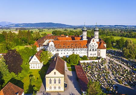 niemcy bawaria widok dronow na biblioteke