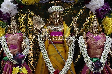 hinduskie bostwa w tym murugan bog