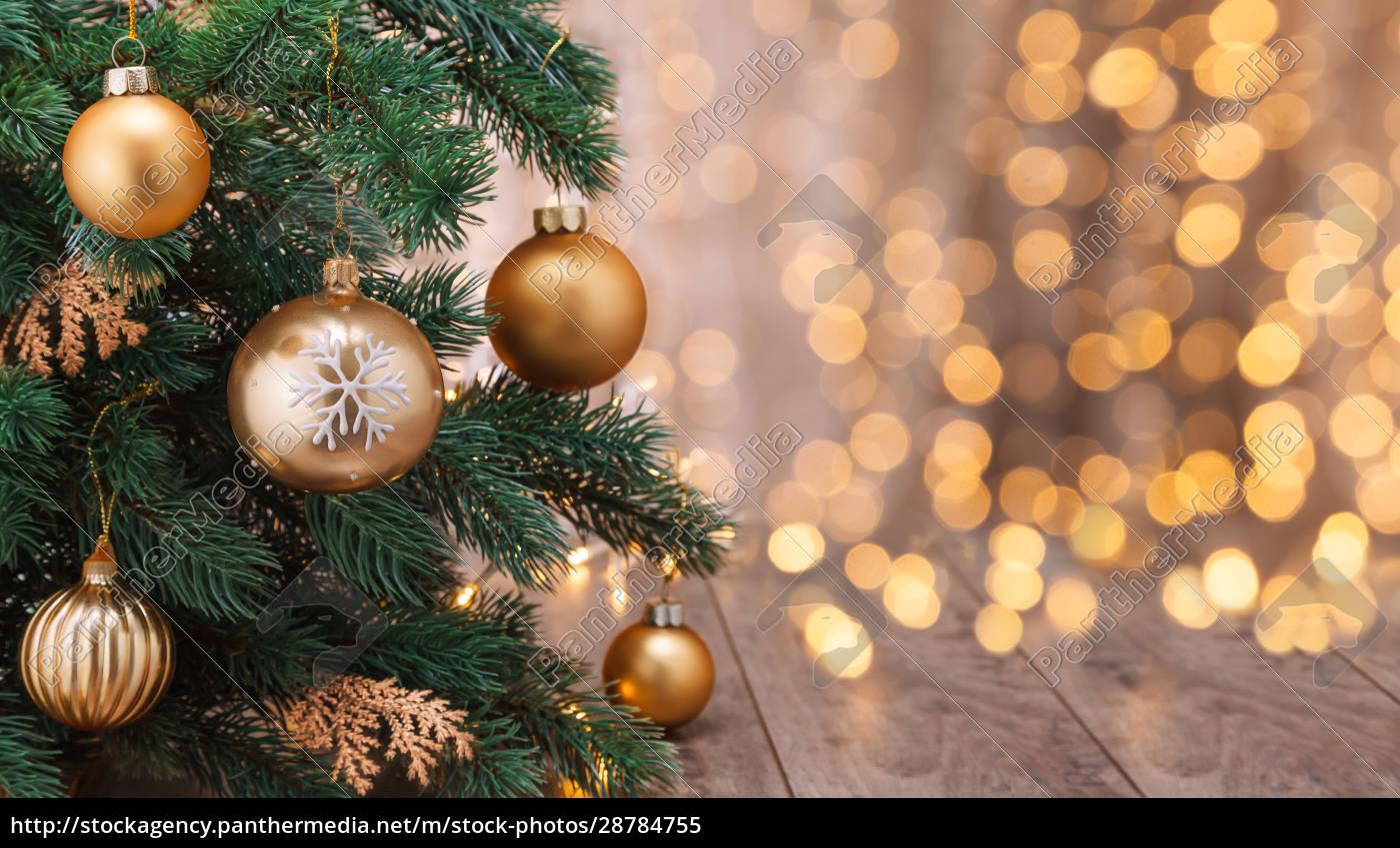 ozdoba, świąteczna, z, kulkami, i, choinką. - 28784755
