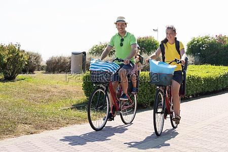 rodzinny, rower, na, zewnątrz - 28820380