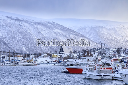 tromso maly port lodzi fiord most