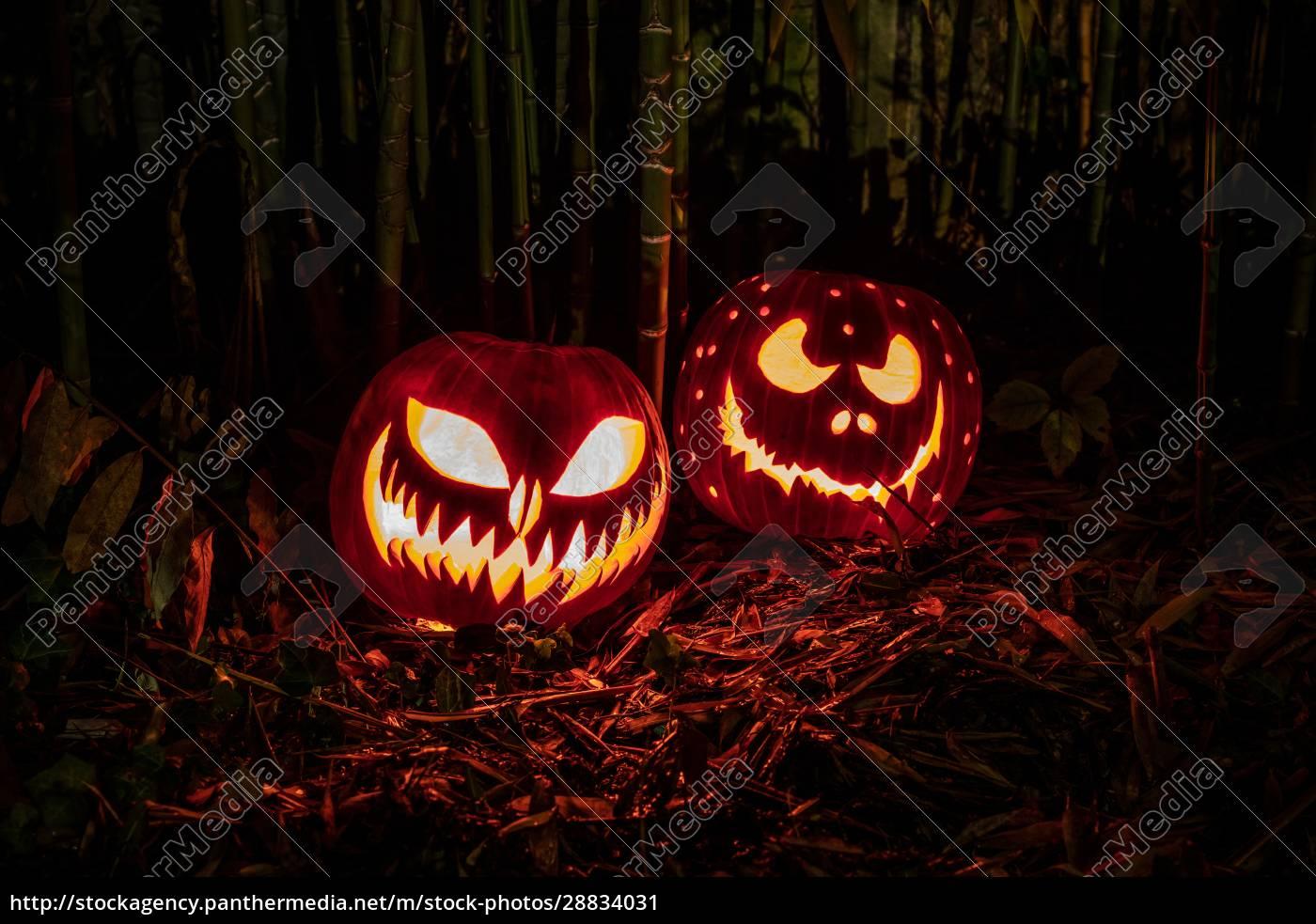 halloween, dynie, latarnie, z, przerażającą, ekspresją - 28834031