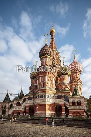 zewnetrzna strone katedry bazylejskiej plac czerwony