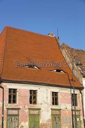 dom z oczami sybic region transylwanii