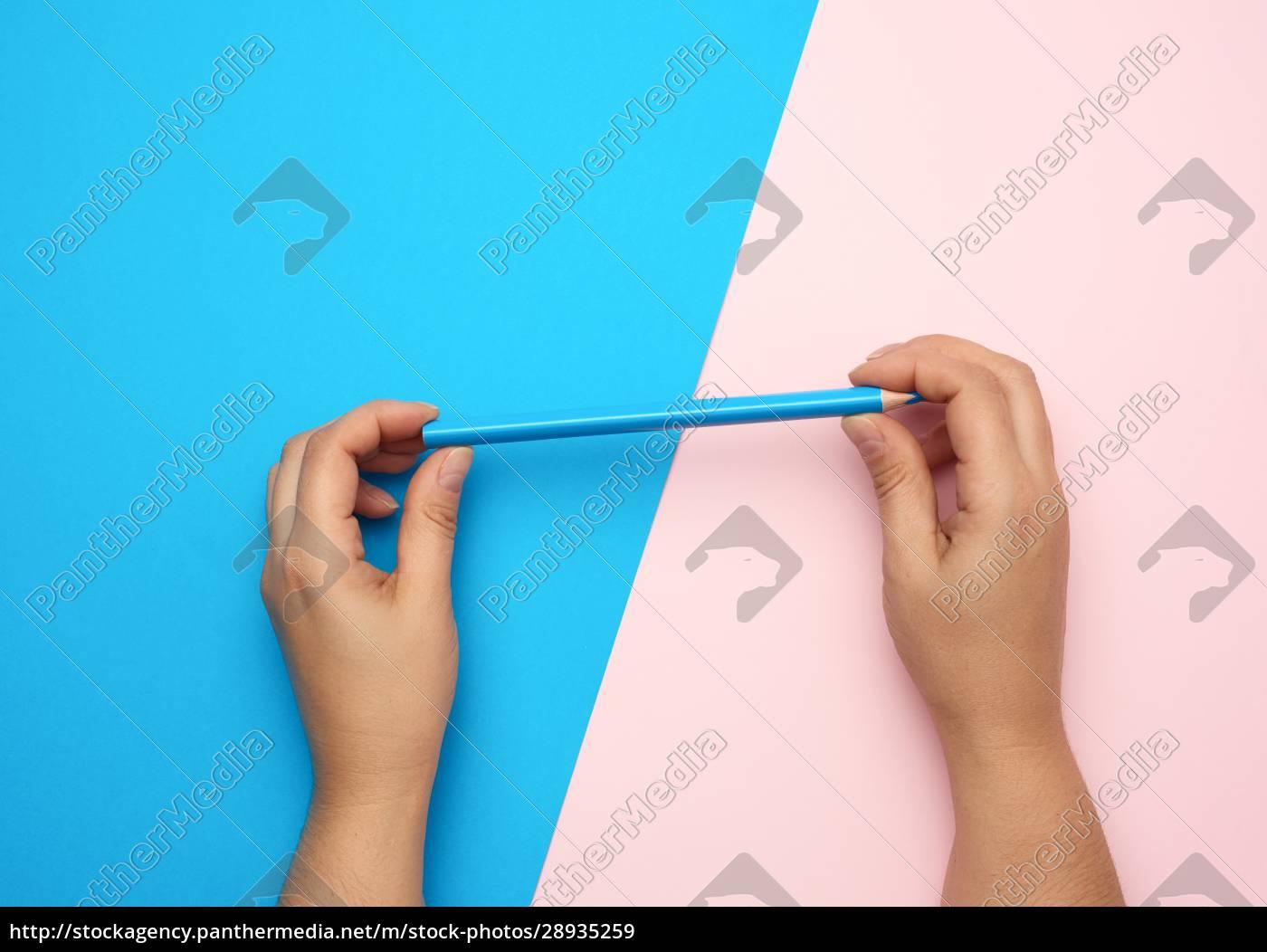 dwie, żeńskie, ręce, posiadają, niebieski, drewniany - 28935259