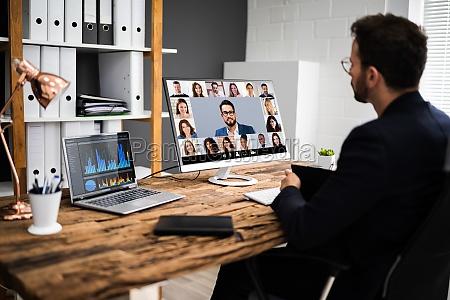 spotkanie wywiadow wideokonferencji online