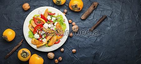 salatka ze swiezego persimmonu