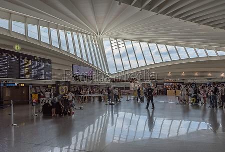 terminal pasazerski na lotnisku w bilbao