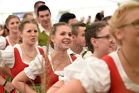 Öffentliche, aufführung, traditioneller, österreichischer, volkstänze, beim - 29871498
