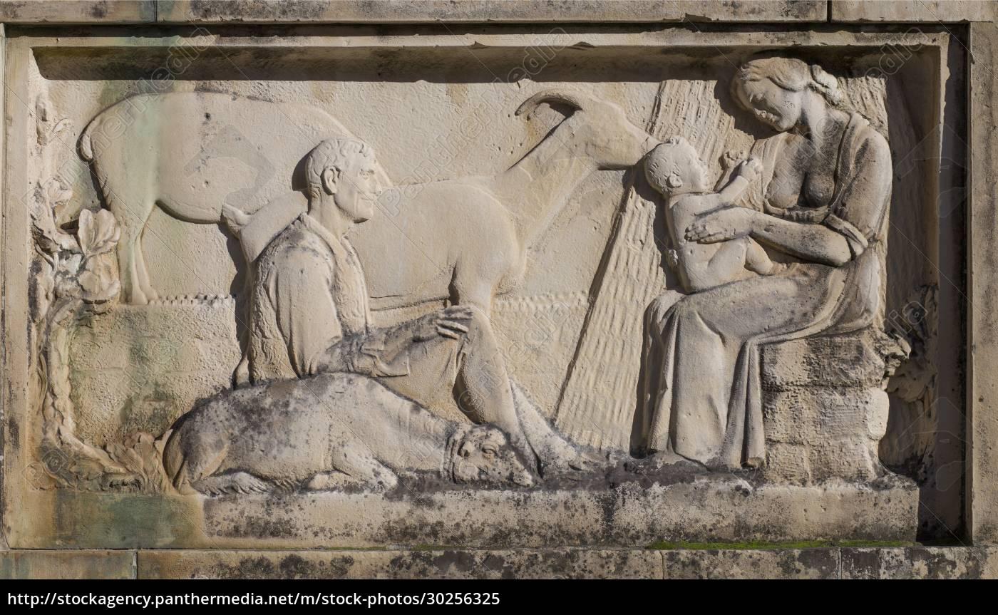 pomnik, jose, marii, gabriela, y, galan. - 30256325