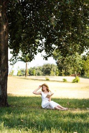 zielony, biały, Piękna., dziewczyna, Uśmiech, Lato - B288525756