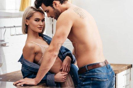 piękne, miłość, żeńskie, dla dorosłych, ludzie, Kaukaski - B237935176
